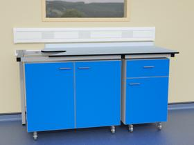 Mobile units in T frame support system with Trespa Toplab worktop