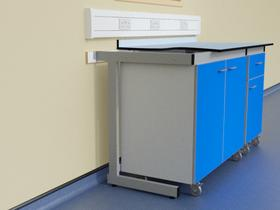 Mobile units in C frame support system with Trespa Toplab worktop