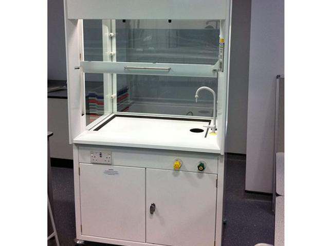 Semi-Mobile Ducted Fume Cupboard